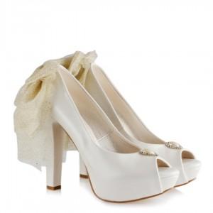 Gelin Ayakkabısı Simli Duvaklı Tasarım