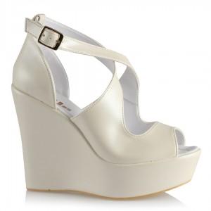 Dolgu Topuk Gelin Ayakkabısı Çapraz Kırık Beyaz
