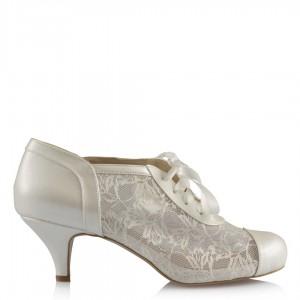 Gelin Ayakkabısı Kırık Beyaz Dantel Az Topuklu