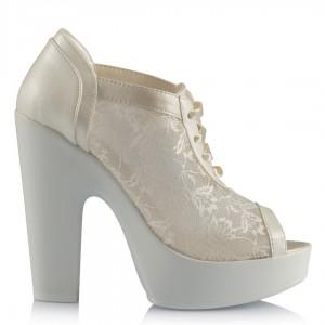 Gelin Ayakkabısı Kırık Beyaz Dantelli Rahat Topuklu