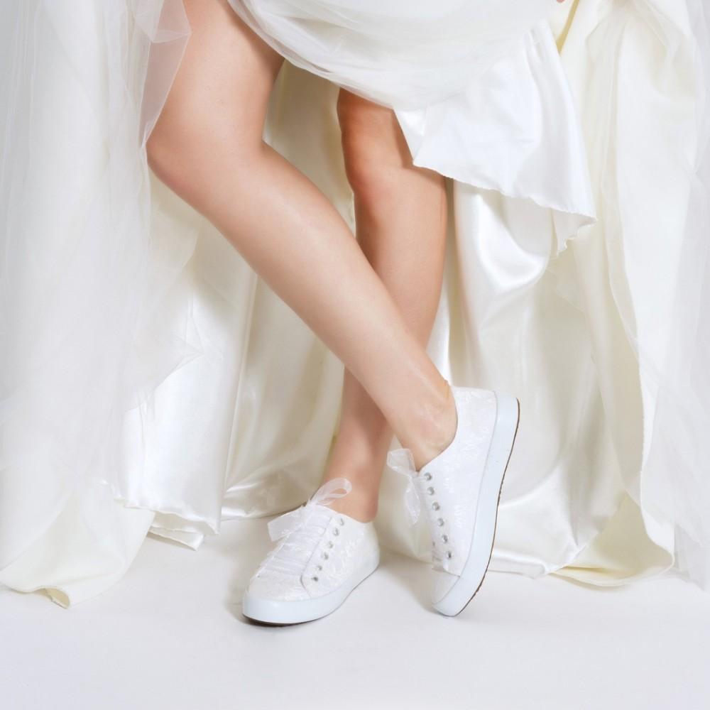 eb540e0652 Gelin Ayakkabısı Vans Kırık Beyaz Dantelli
