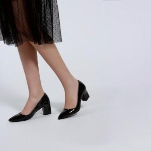 Siyah Rugan Kalın Topuklu Stiletto