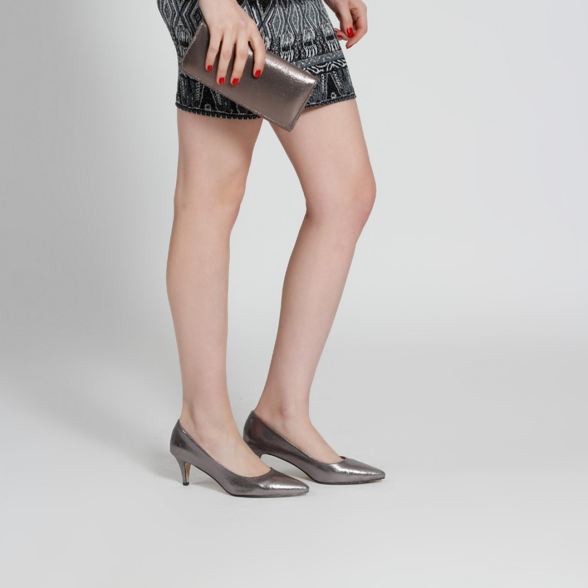 Stiletto Ayakkabı Az Topuklu Füme Yaldızlı