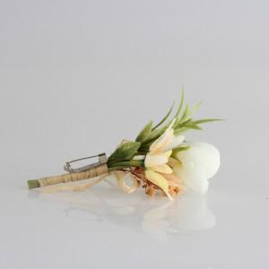 Damat Yaka Çiçeği Kırık Beyaz