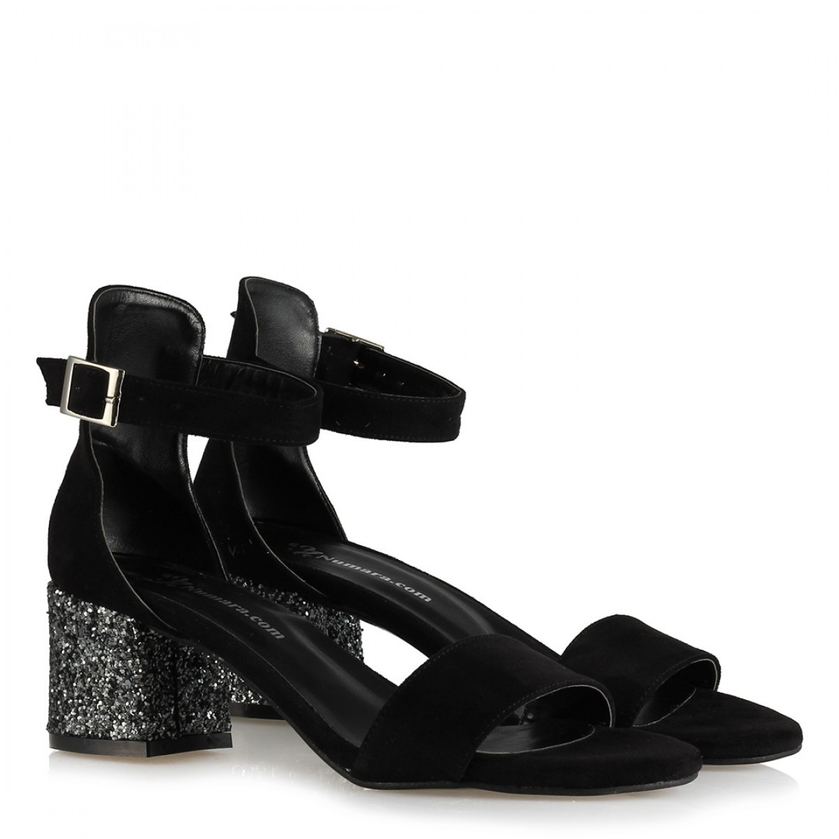 Az Topuklu Ayakkabı Siyah Topuk Gümüş Cam Kırığı