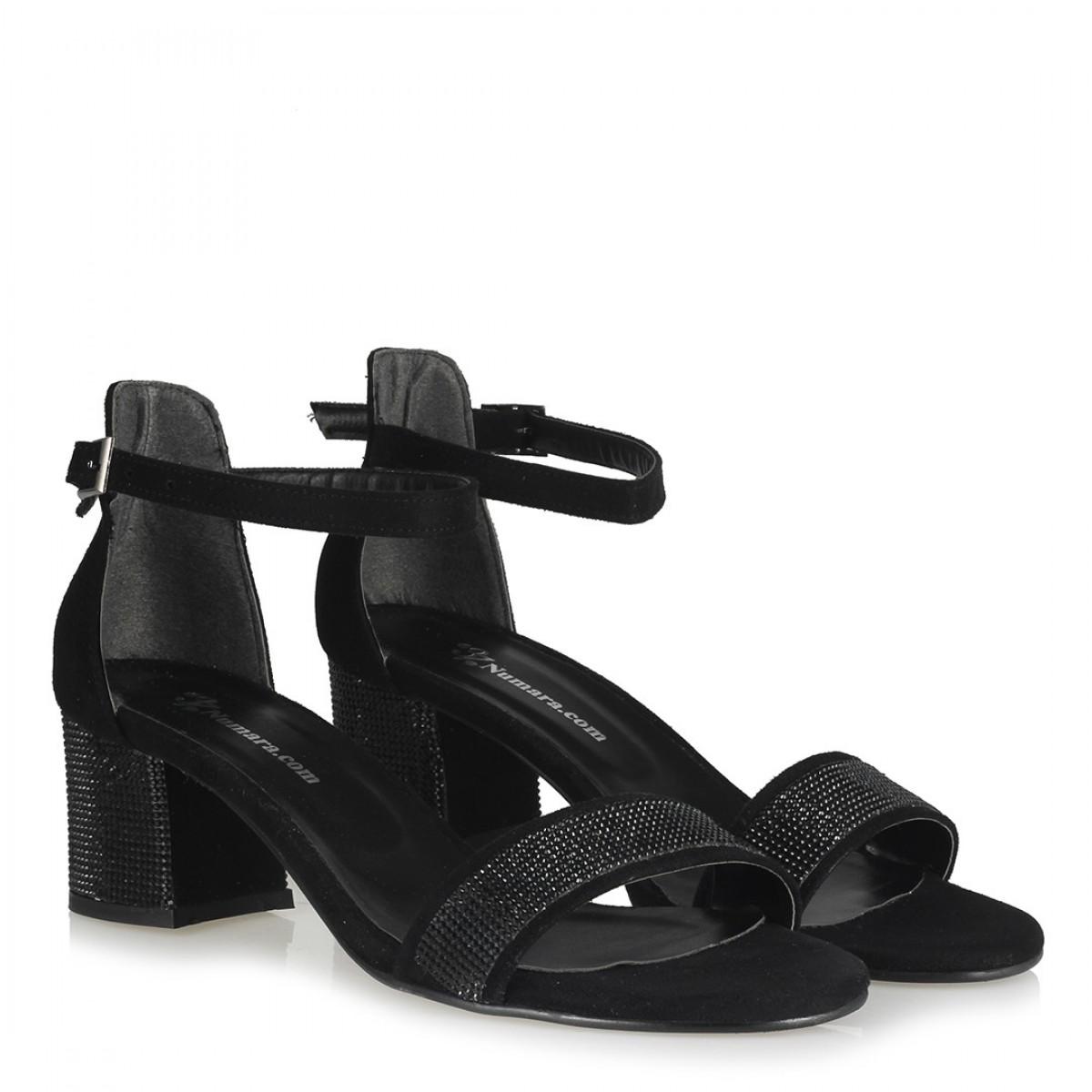 Az Topuklu Ayakkabı Siyah Taşlı Model