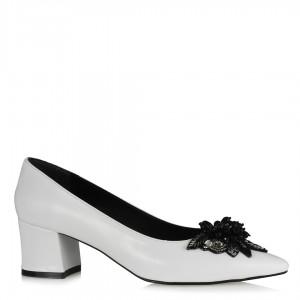 Beyaz Stiletto Melek Tokalı Ayakkabı