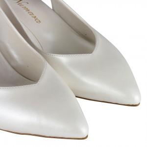 Nikah Ayakkabısı Kırık Beyaz Cam Kırığı Arkası Açık