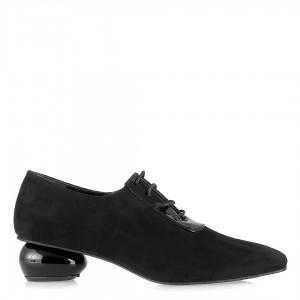 Küt Burunlu Tasarım Ökçeli Ayakkabı