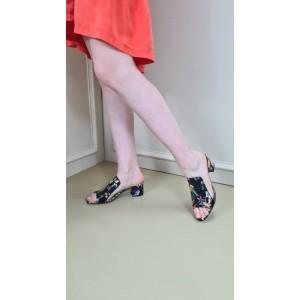 Topuklu Terlik Çiçekli Siyah