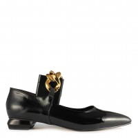 Babet Ayakkabı Siyah Rugan Altın Tokalı