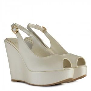 Kırık Beyaz Dolgu Topuk Ayakkabı