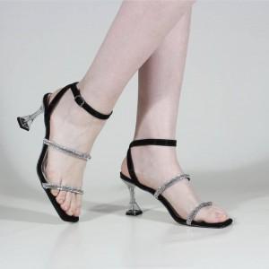Taşlı Topuklu Sandalet Siyah Renk