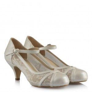 Az Topuklu Nikah Ayakkabısı Kemerli