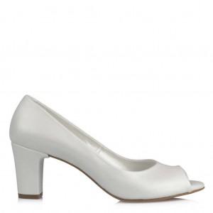 Az Topuklu Gelinlik Ayakkabısı
