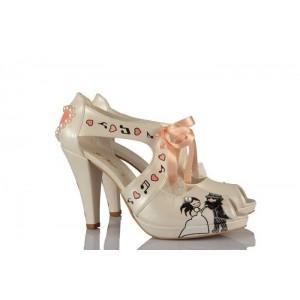 Birbirini Çok Seven Gelin Damat Tasarım Gelinlik Ayakkabısı