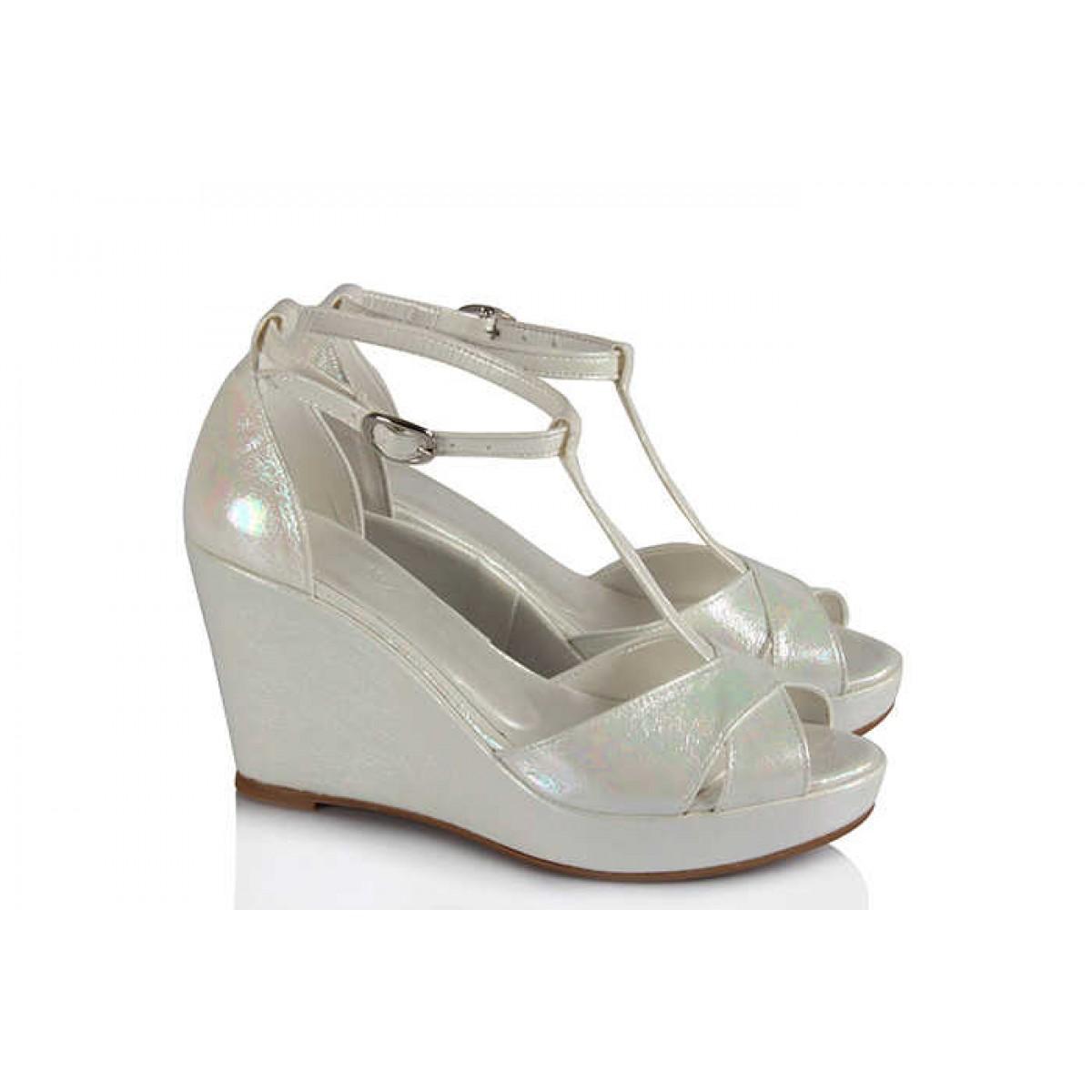 Gelin Ayakkabısı Dolgu Topuk Yaldızlı Kemerli Az Topuklu