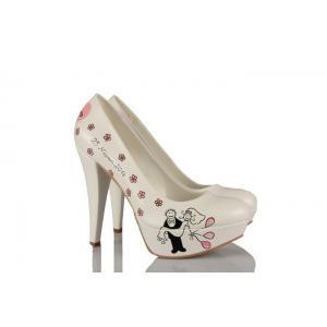 Gelinlik Ayakkabısı Kucaktaki Gelin Tasarımı
