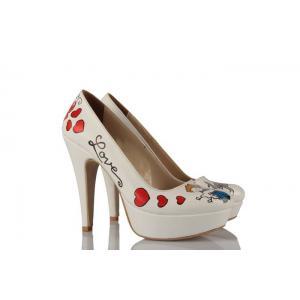 Kucaktaki Gelin Tasarım Gelinlik Ayakkabı