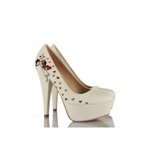 Şemsiye Altında Gelin Damat Tasarım Düğün Ayakkabısı